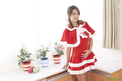 クリスマスには巨乳熟女サンタに中出ししたい1