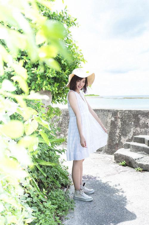 岡田紗佳モデルでプロ雀士Gカップのおっぱい1