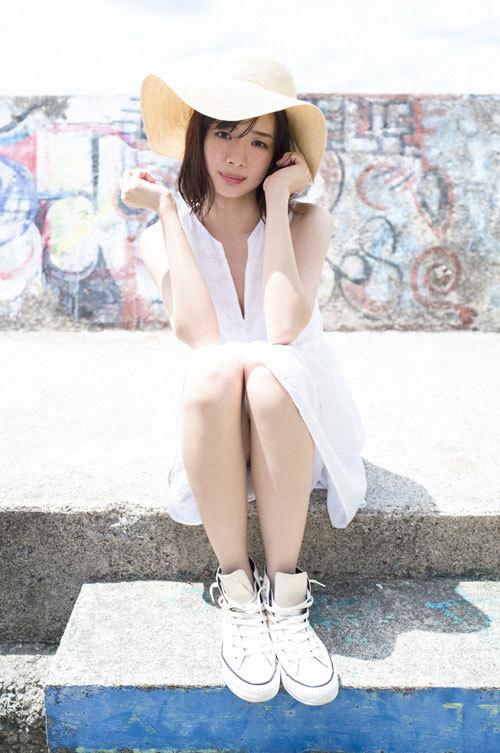 岡田紗佳モデルでプロ雀士Gカップのおっぱい6