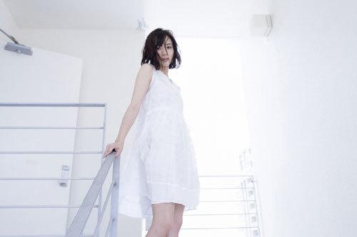 岡田紗佳モデルでプロ雀士Gカップのおっぱい9