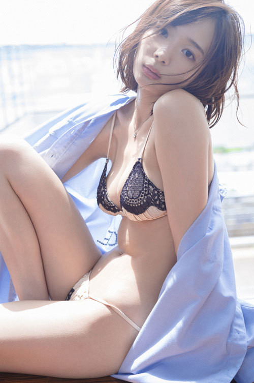 岡田紗佳モデルでプロ雀士Gカップのおっぱい18