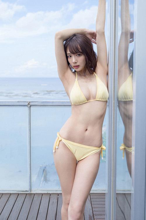 岡田紗佳モデルでプロ雀士Gカップのおっぱい34