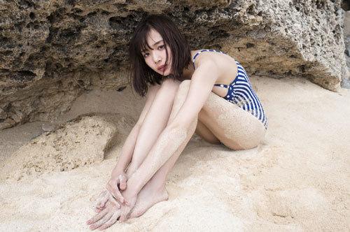 岡田紗佳モデルでプロ雀士Gカップのおっぱい40