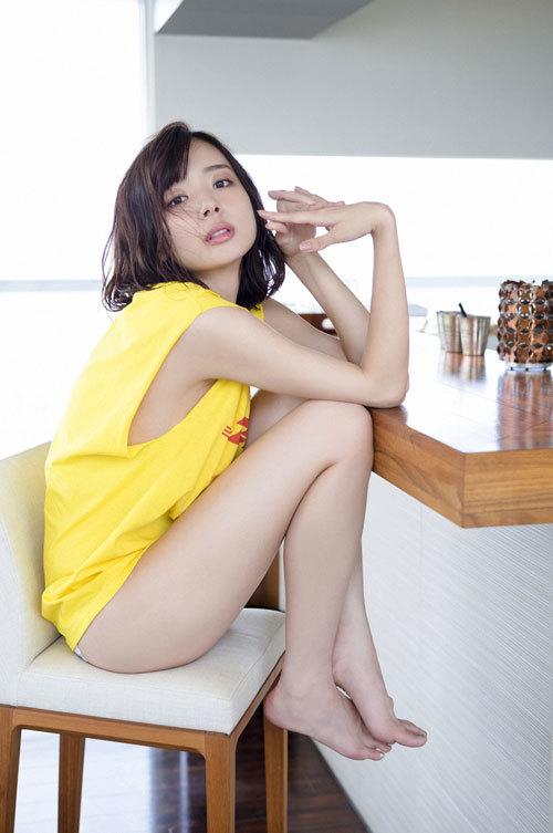 岡田紗佳モデルでプロ雀士Gカップのおっぱい51