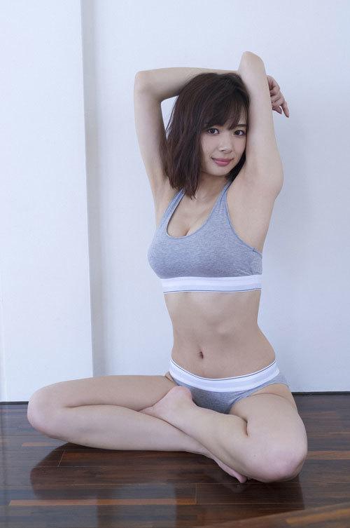 岡田紗佳モデルでプロ雀士Gカップのおっぱい58