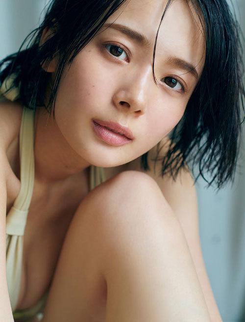 岡田紗佳モデルでプロ雀士Gカップのおっぱい99