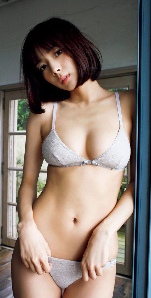 岡田紗佳モデルでプロ雀士Gカップのおっぱい100