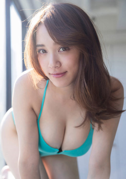 都丸紗也華Fカップのデカすぎる巨乳おっぱい48