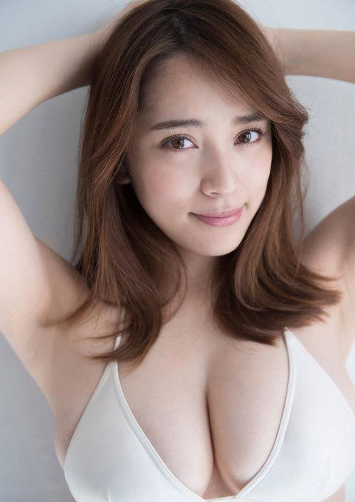 都丸紗也華Fカップのデカすぎる巨乳おっぱい95