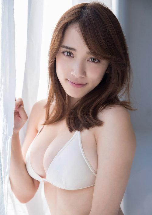 都丸紗也華Fカップのデカすぎる巨乳おっぱい109