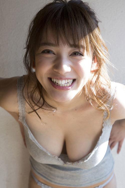 都丸紗也華Fカップのデカすぎる巨乳おっぱい116