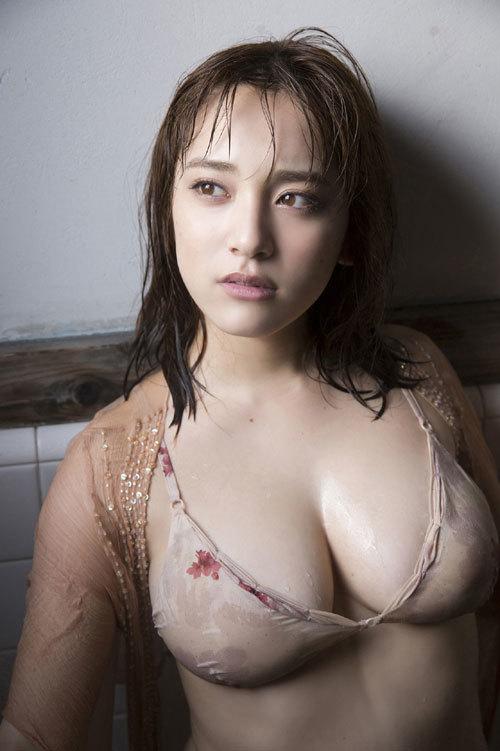 都丸紗也華Fカップのデカすぎる巨乳おっぱい159