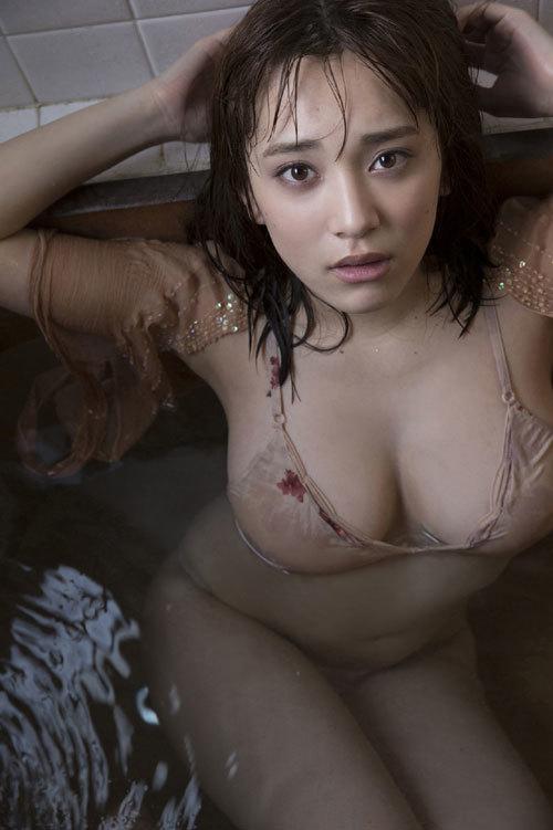 都丸紗也華Fカップのデカすぎる巨乳おっぱい161