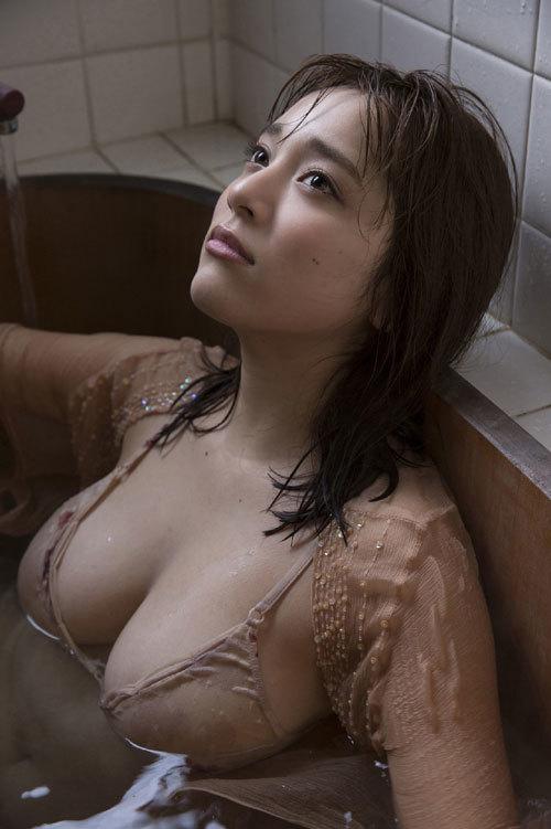 都丸紗也華Fカップのデカすぎる巨乳おっぱい162