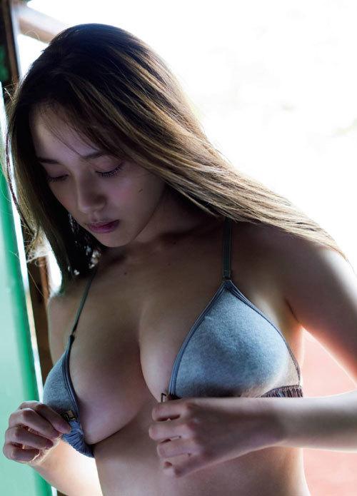 都丸紗也華Fカップのデカすぎる巨乳おっぱい174