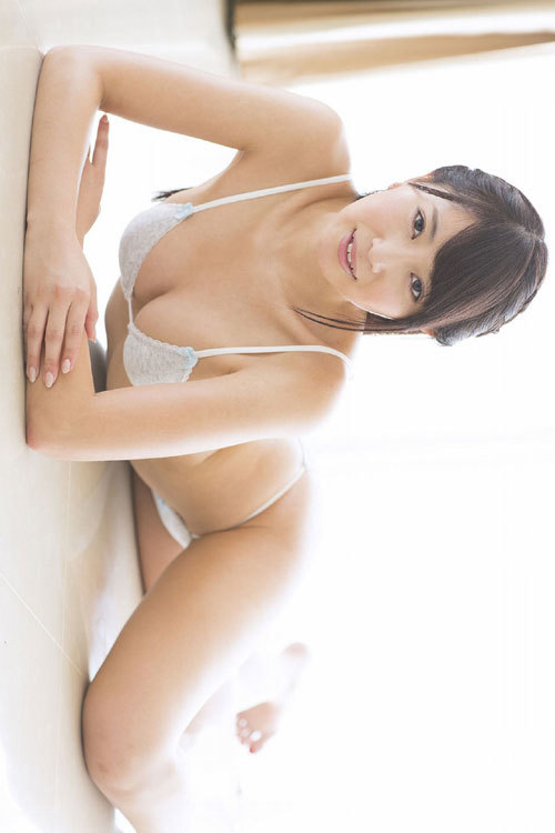 森咲智美Gカップの隠しきれない巨乳おっぱい92