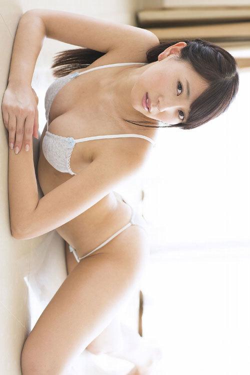 森咲智美Gカップの隠しきれない巨乳おっぱい93