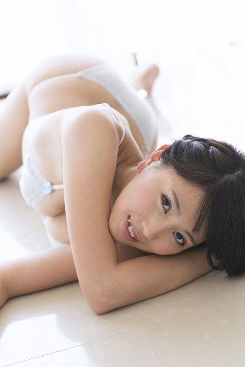 森咲智美Gカップの隠しきれない巨乳おっぱい99
