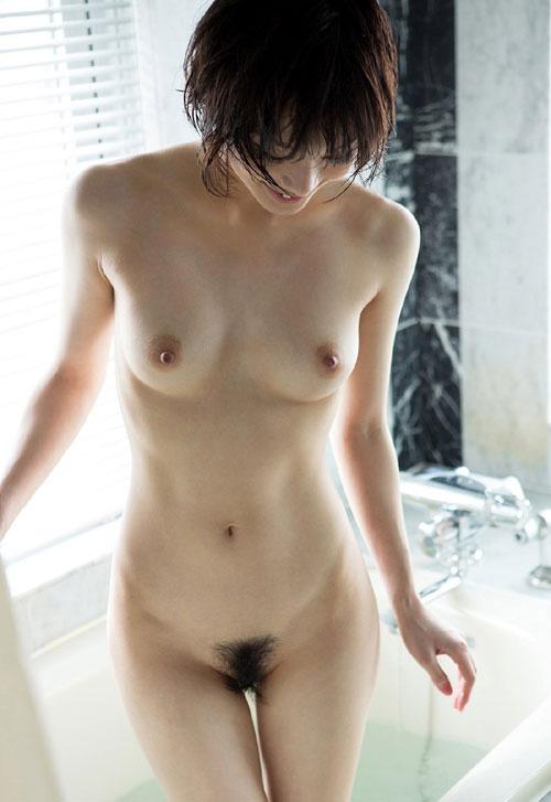 全裸でおっぱいとマン毛丸出し女子がエロ過ぎ23