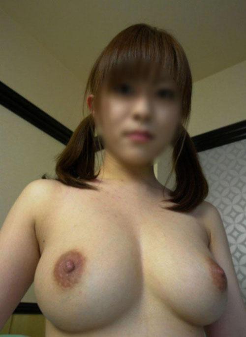 ヌードになった素人巨乳ギャルたちと、ヤリまくりたくなるエロ画像