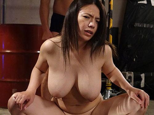 織田真子 爆乳女捜査官が婚約者で同僚の捜査官と奴隷ソープに堕ちる