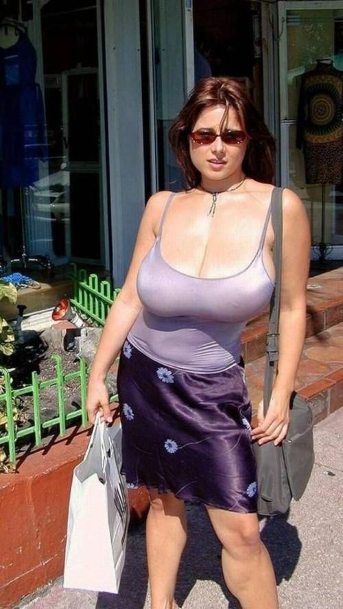 海外女性の巨乳率は異常すぎだろwwwwwwwwwww(画像あり)