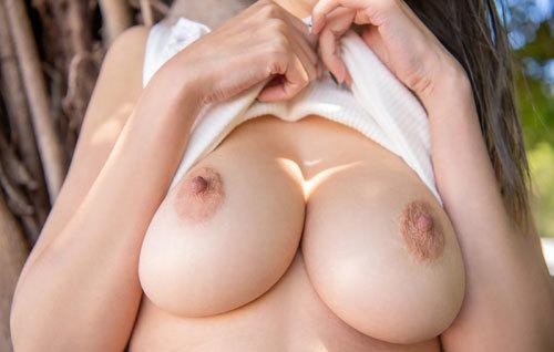 JULIAさんJカップ美爆乳おっぱい70