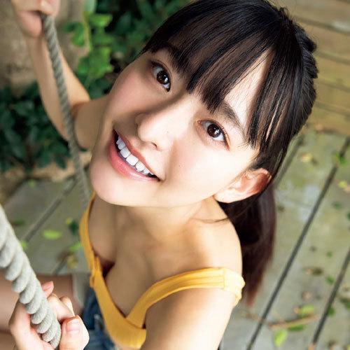 高崎かなみ 正統派美少女のロリ可愛いおっぱいの谷間に釘付けになっちゃう
