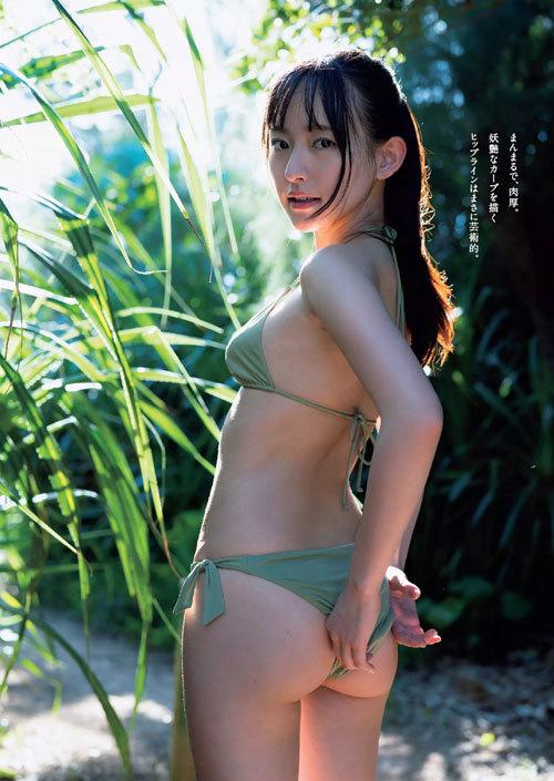高崎かなみちゃんのロリ可愛いおっぱいの谷間7