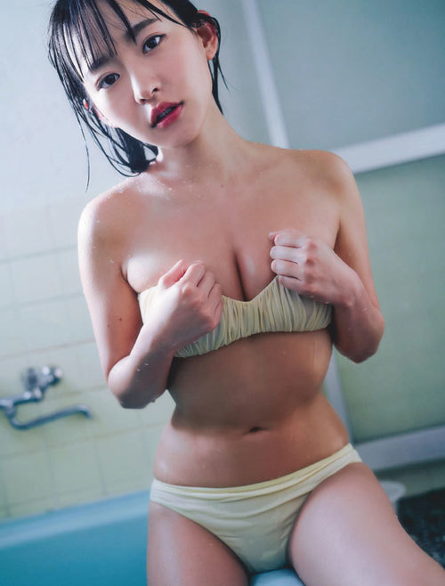 高崎かなみちゃんのロリ可愛いおっぱいの谷間34