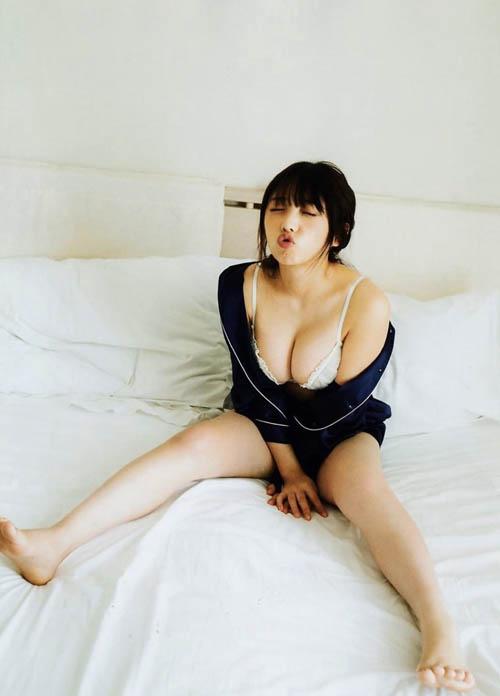 与田祐希の乳エロスギ!!!!