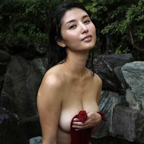 橋本マナミGカップおっぱいの人妻が妊婦さん♪