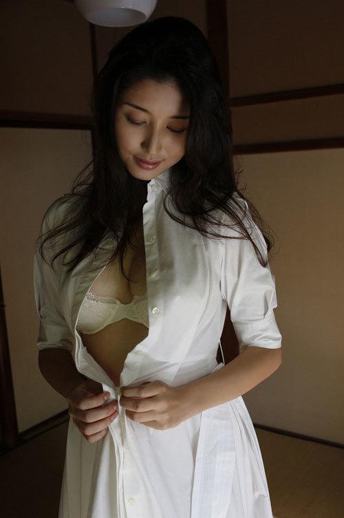 橋本マナミGカップおっぱいの人妻が妊婦さん19