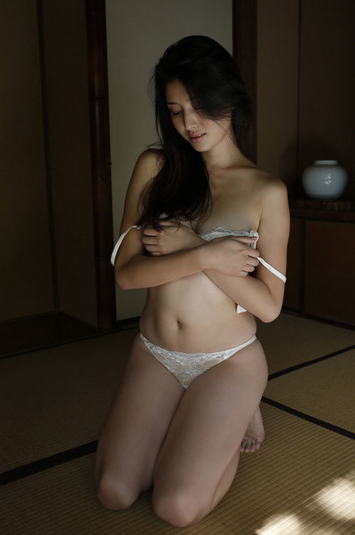 橋本マナミGカップおっぱいの人妻が妊婦さん25