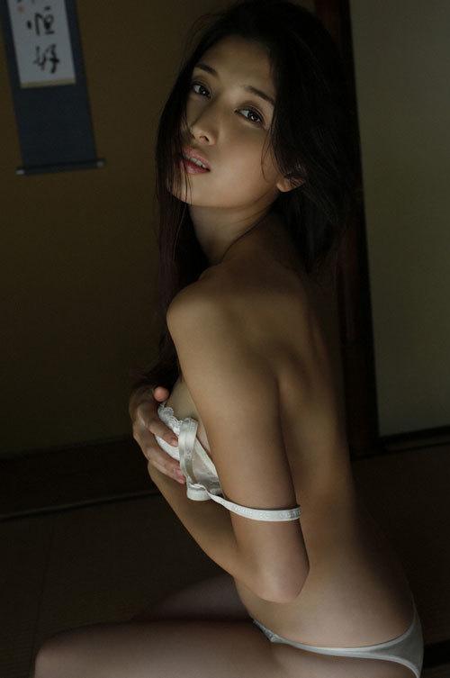 橋本マナミGカップおっぱいの人妻が妊婦さん27