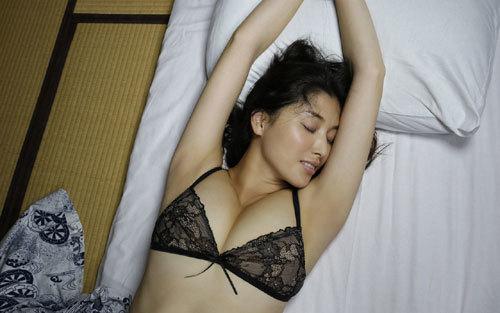 橋本マナミGカップおっぱいの人妻が妊婦さん58