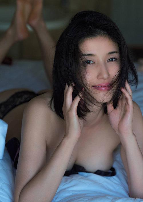 橋本マナミGカップおっぱいの人妻が妊婦さん81