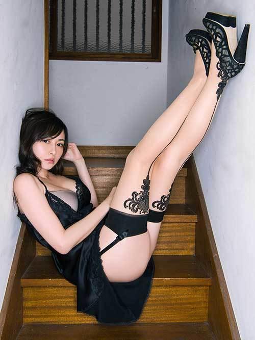 3次元 美脚を見ているだけでエッチな気分になってしまう足が最高なエロ画像まとめ 32枚