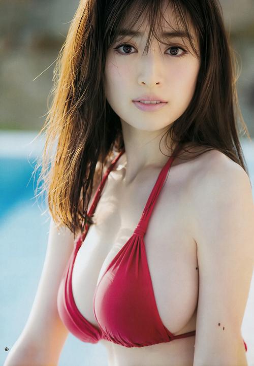 泉里香、2nd写真集のおっぱいアザ―カット先行公開!なんか顔かわってないか・・・