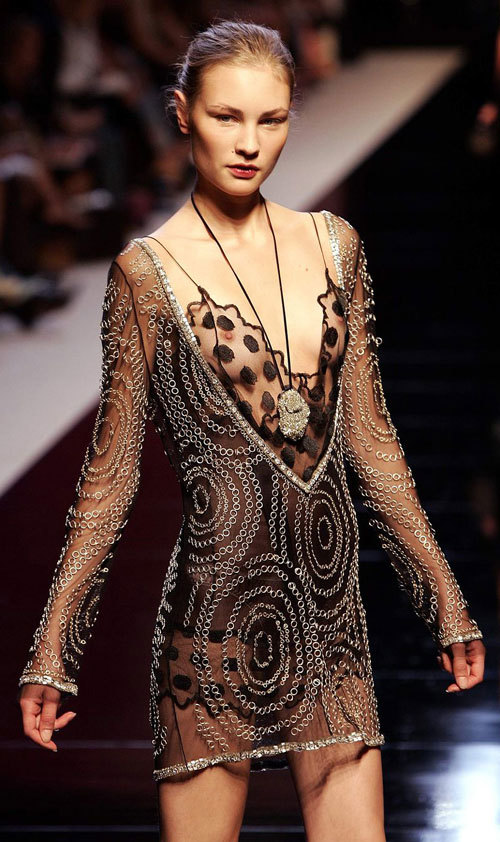 ファッションショーでおっぱい見せてるモデル21