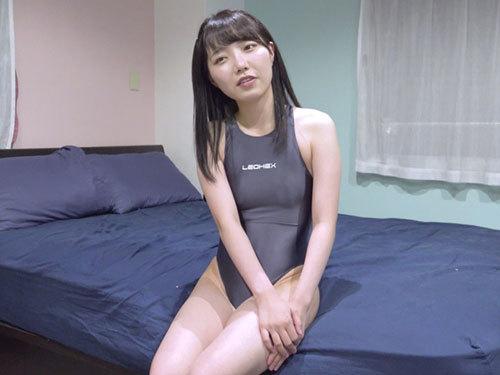 【夏原唯】ハイレグ競泳水着のマンスジ娘を手枷足枷拘束して腋や足裏や脇腹を擽り責め