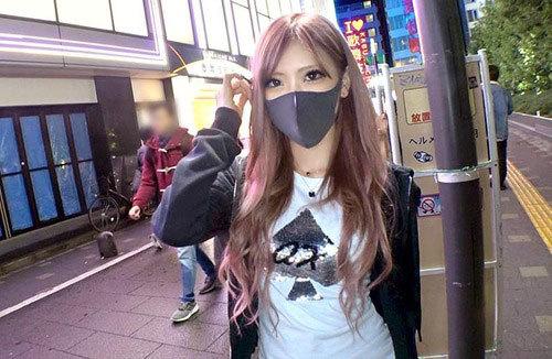 歌舞伎町でノリで炊き出ししてた20歳キャバ嬢をホテルへお持ち帰り。フェラテクがかなりエグい…