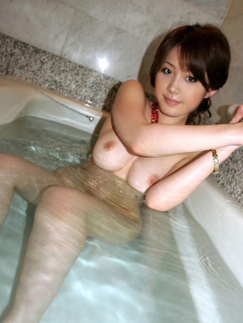 お風呂に一緒につかりおっぱいで癒やされたい14