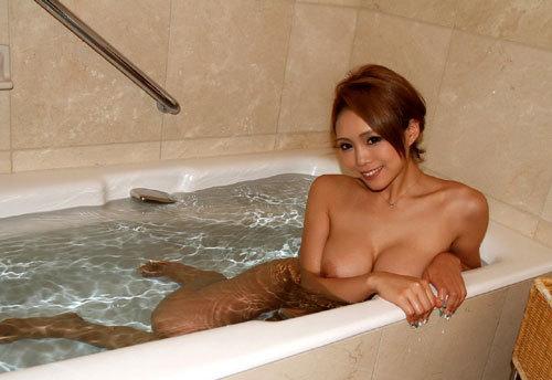 お風呂に一緒につかりおっぱいで癒やされたい20