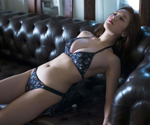 筧美和子、胸の大きさと顔がアンバランスであることがコンプレックスだったことを告白
