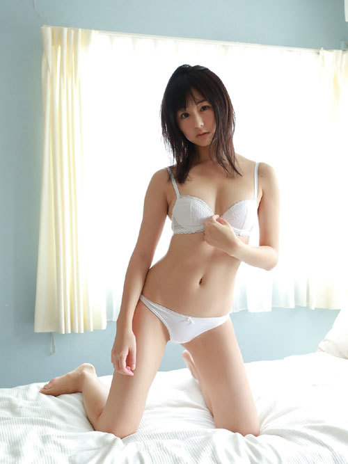 くりえみロリ系美少女の清純なおっぱいに興奮38