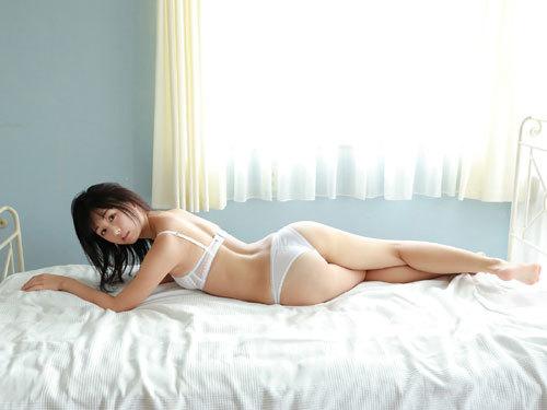 くりえみロリ系美少女の清純なおっぱいに興奮47
