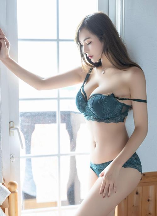 美女ばかりな台湾の下着モデルのエロ画像 part6