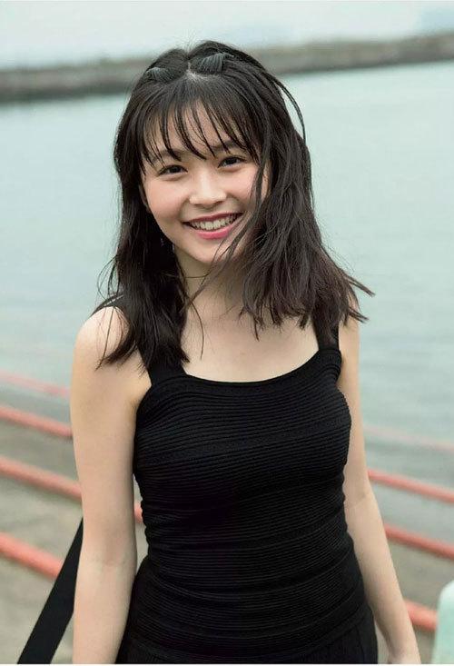 セブンティーン専属モデル・久間田琳加(18)のおっぱい成長中