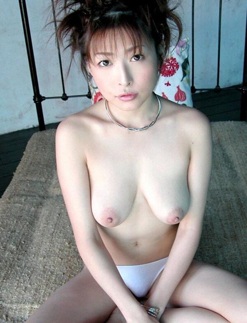 【画像】AV女優史上最高のおっぱい